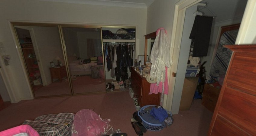 Interactive crime scene photographs from the trial for the murder of Allison Baden-Clay have taken jurors inside the western Brisbane home, including the main bedroom