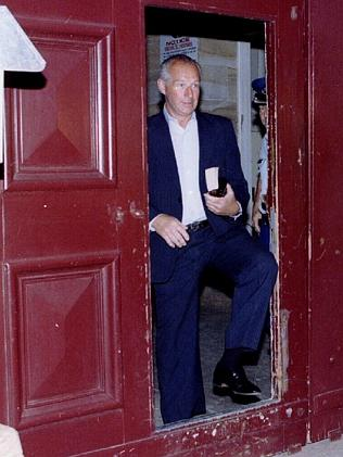 Rogerson takes his first step to freedom from Berrima prison in December 1995