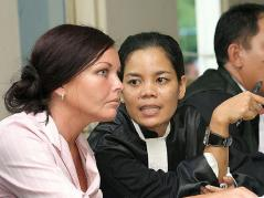 March 2005_ Schapelle_s lawyer Lili tries to translate during the trial at Denpasar District Court in Bali